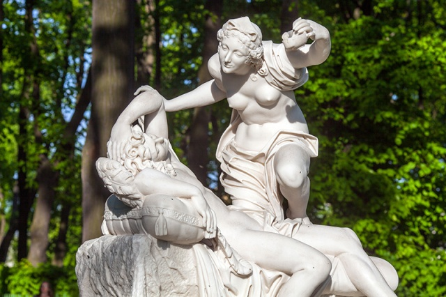 sculptures-of-the-summer-garden-in-st-petersburg
